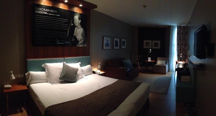 Astoria 7 hotel room