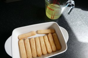 sponge fingers with limoncello mixture