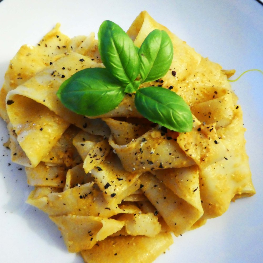 Fresh pappardelle pasta with Tomato and Ricotta pesto